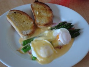 eggs-benedict-plus-asparagus