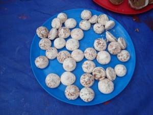 mini-meringues